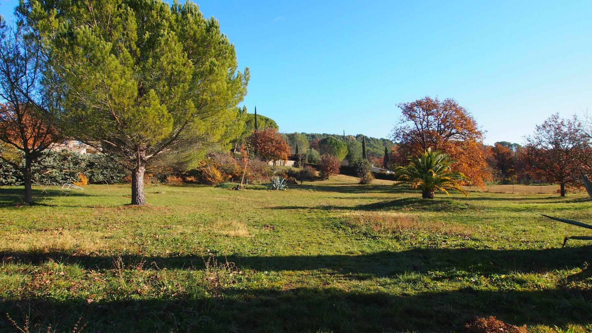 Sale Plot of land - Tourrettes