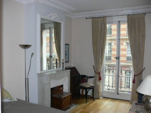 Rental Apartment - Paris 18th (Paris 18ème)