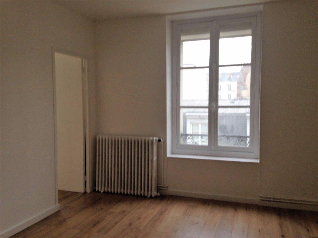 Appartement de Trois pièces rue Aristide Briand à Levallois