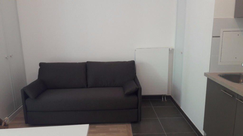 Studio meublé au coeur de Bécon les Bruyères  / 1 pièce(s) 25.02 m2