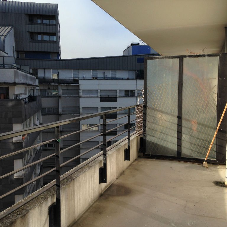 Appartement Clichy 3 pièce(s)  cave et Parking ( Allée de L'Europe)