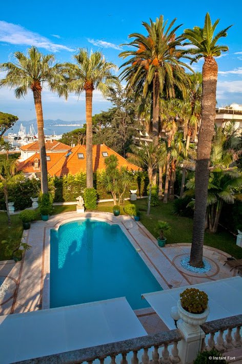 Luxury villa on the West side of Cap d'Antibes