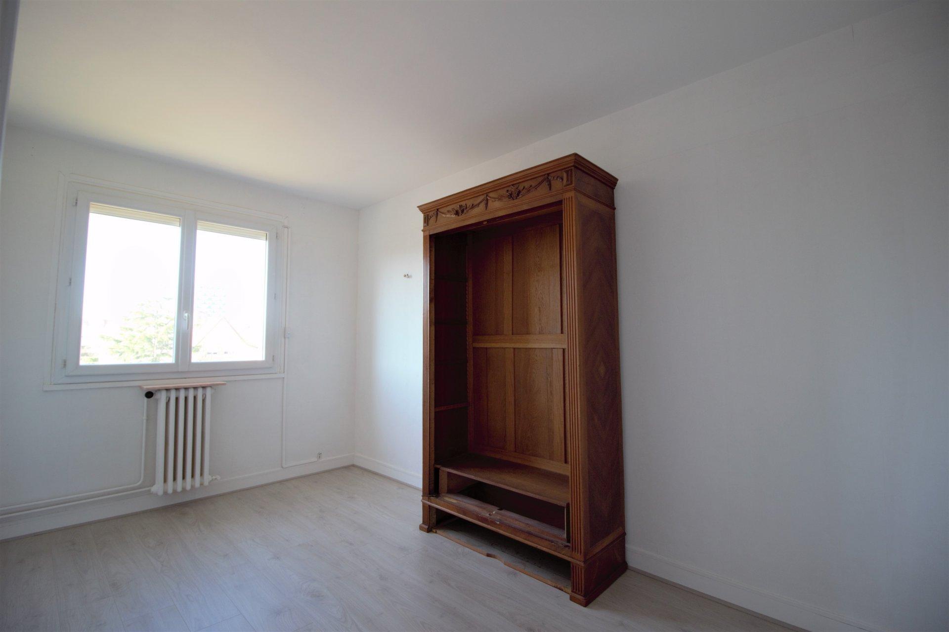 Sale Apartment - Saint-Étienne-du-Rouvray