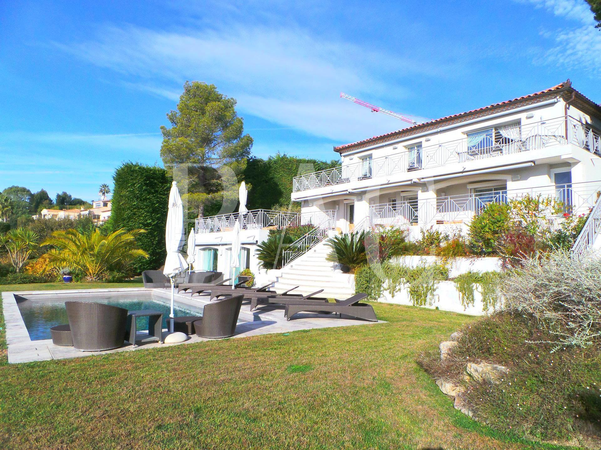 Villa, Super-Cannes, vue mer panoramique
