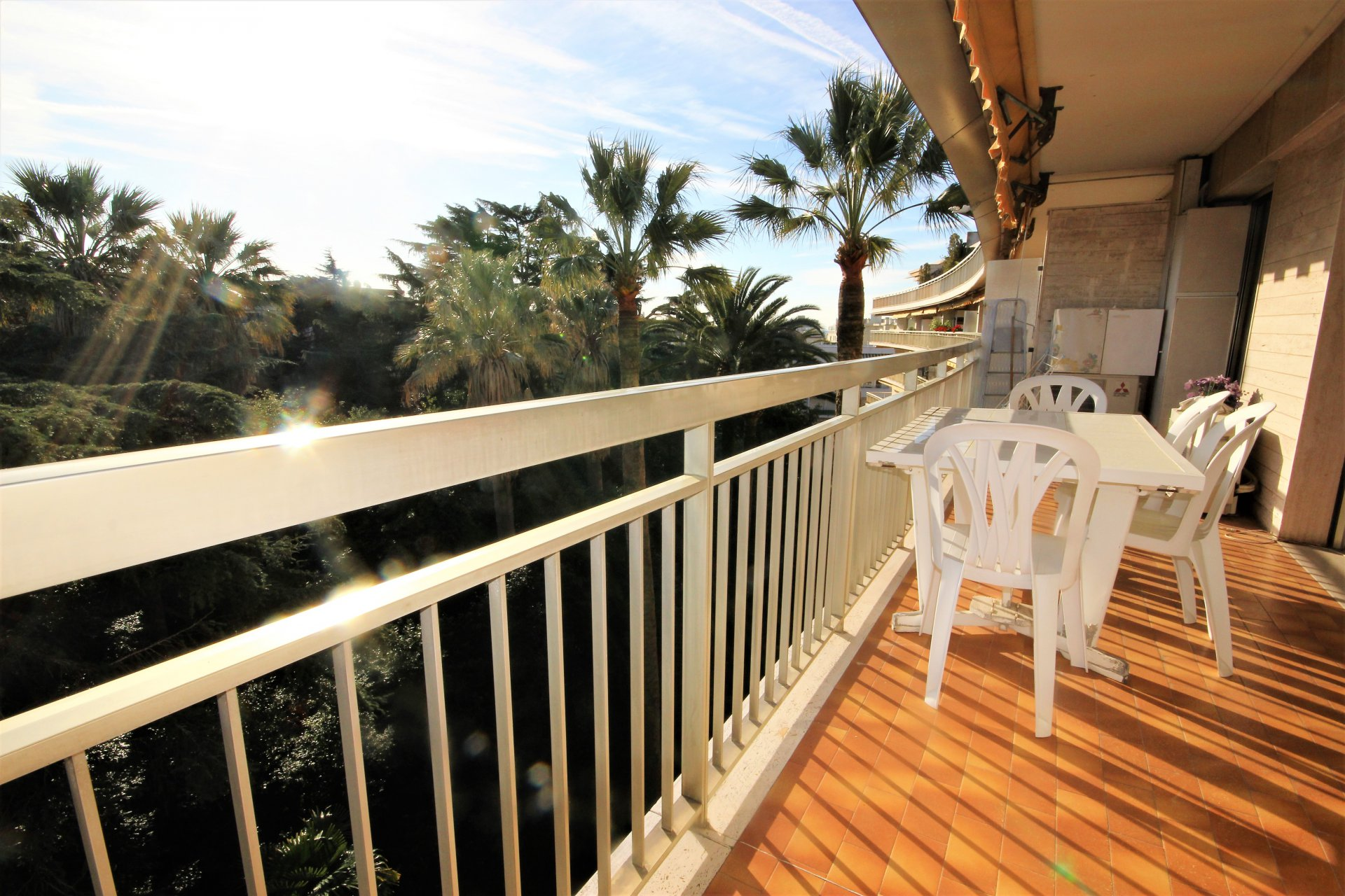 CANNES Sale Apartment 2 rooms residence standing near beaches