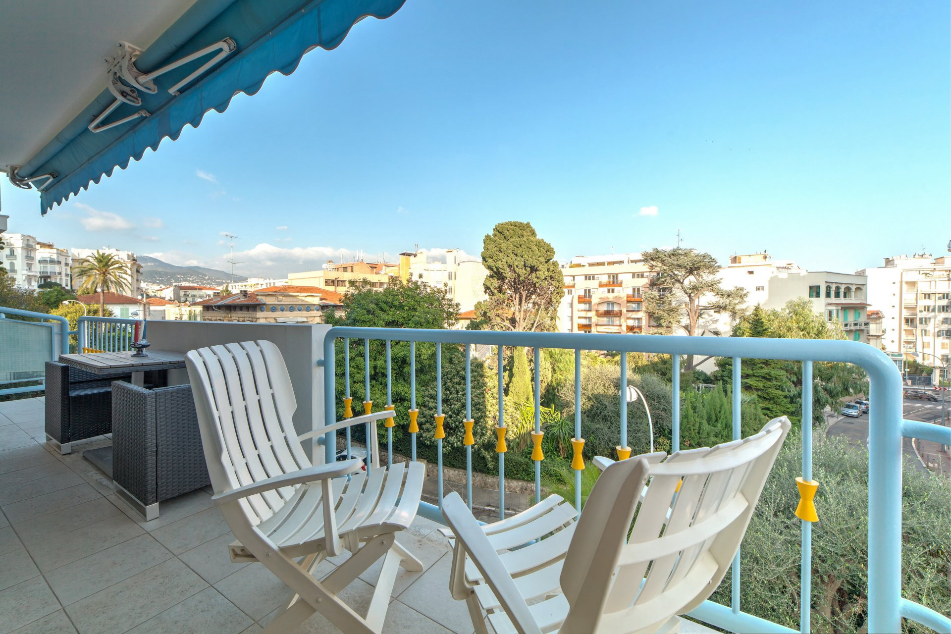 BAUMETTES: VERY RESIDENTIAL APARTMENT WITH TERACE AND GARAGE