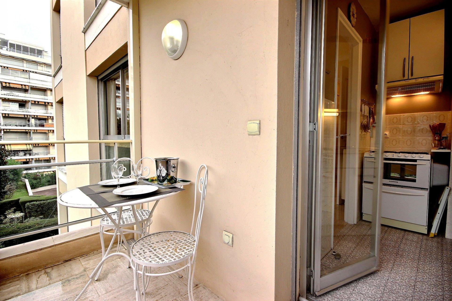 Lägenhet till salu i Cannes Basse Californie med terrass