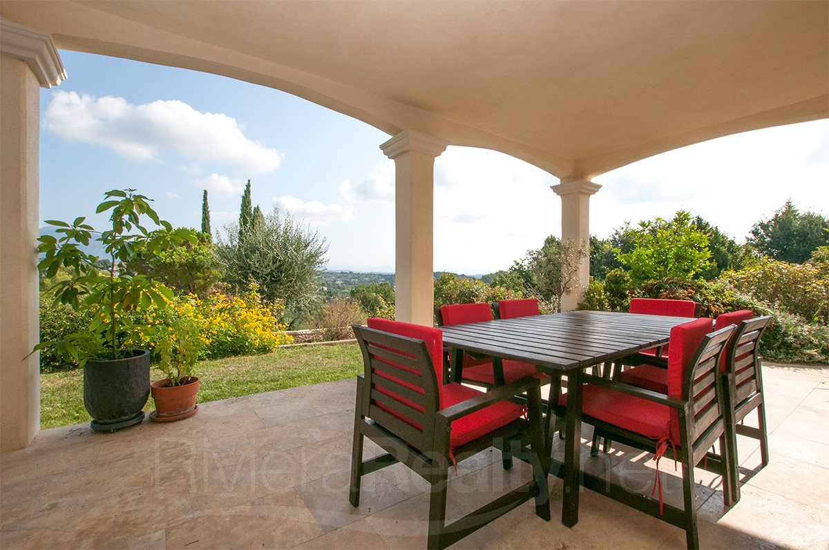 5 bed Recently Built Bastide with Stunning Views - Valbonne