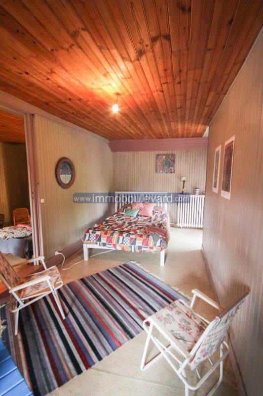 Spacieuse maison individuelle en bon état dans un petit hameau