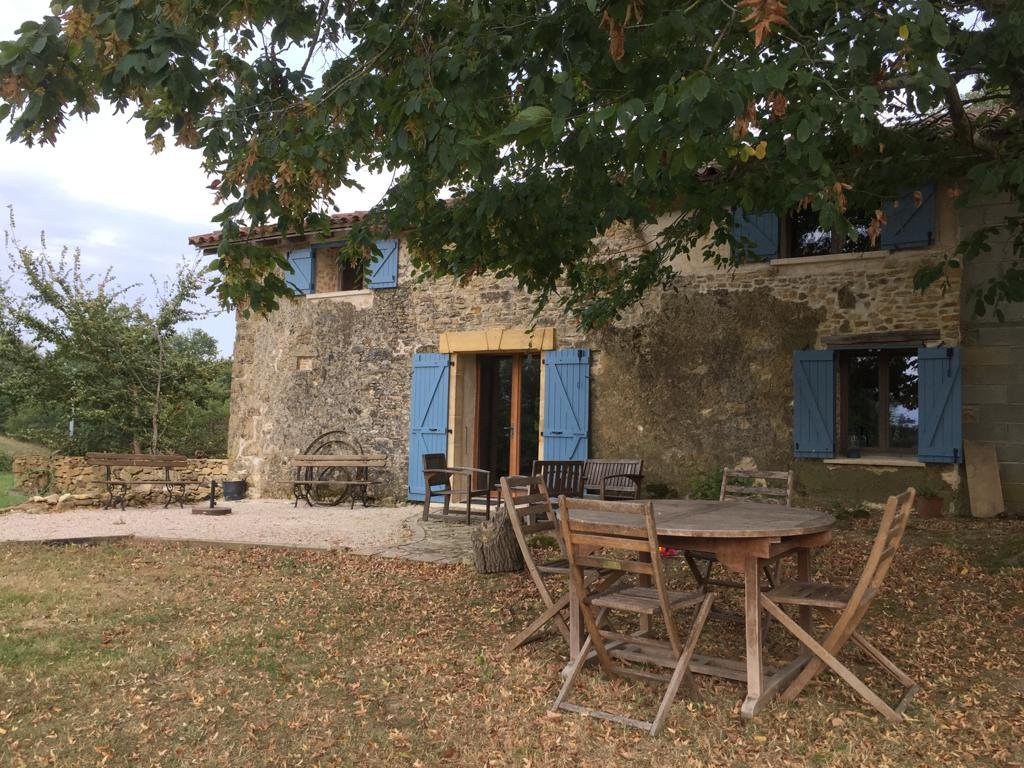 Drop of price!!Farmhouse renovated with taste,swimming pool, independent gite on ground of 3606m2