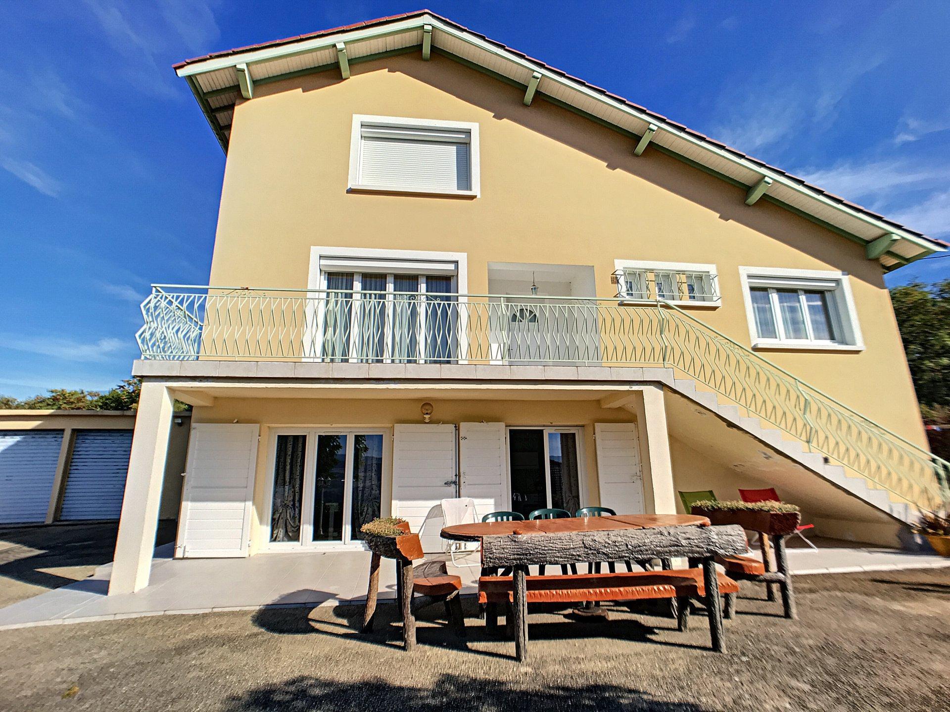 Maison Rive de Gier, piscine et vue PANORAMIQUE !!