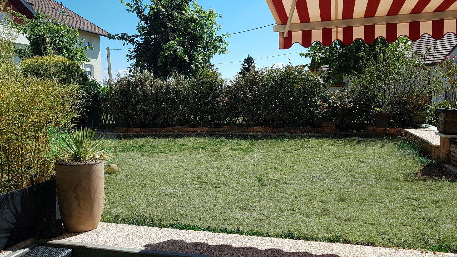 T3 rez de jardin Cranves Sales