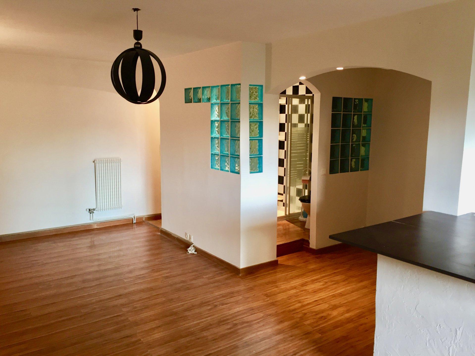 Saint Laurent du Var (06700) - Appartement - Rez de Jardin