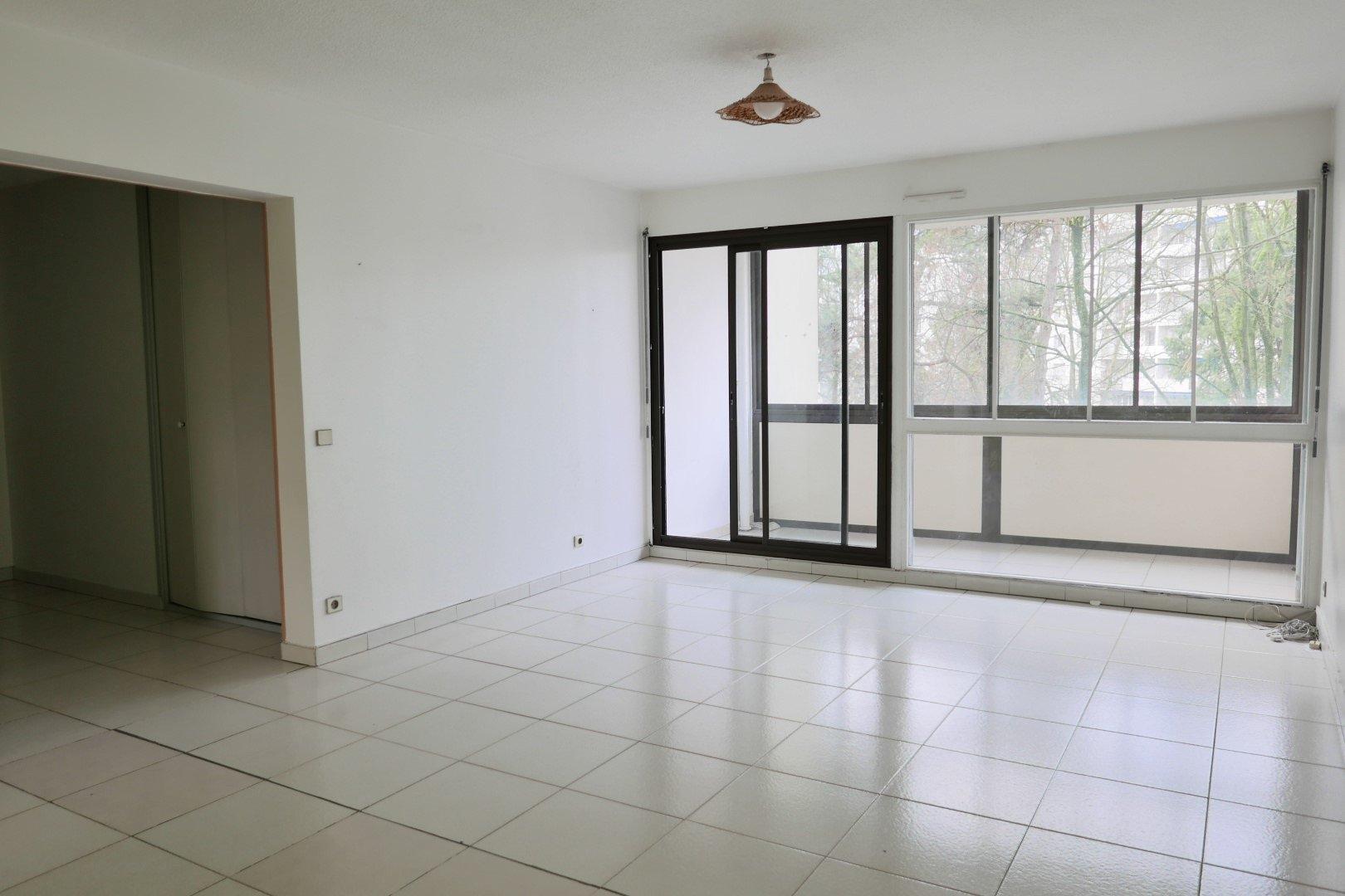 Achat Appartement Surface de 101 m²/ Total carrez : 101 m², 4 pièces, Villeurbanne (69100)
