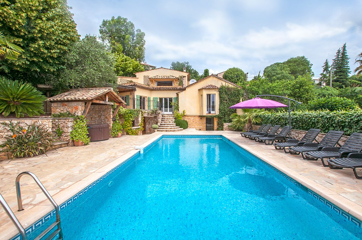 Provencal Villa with Sea Views