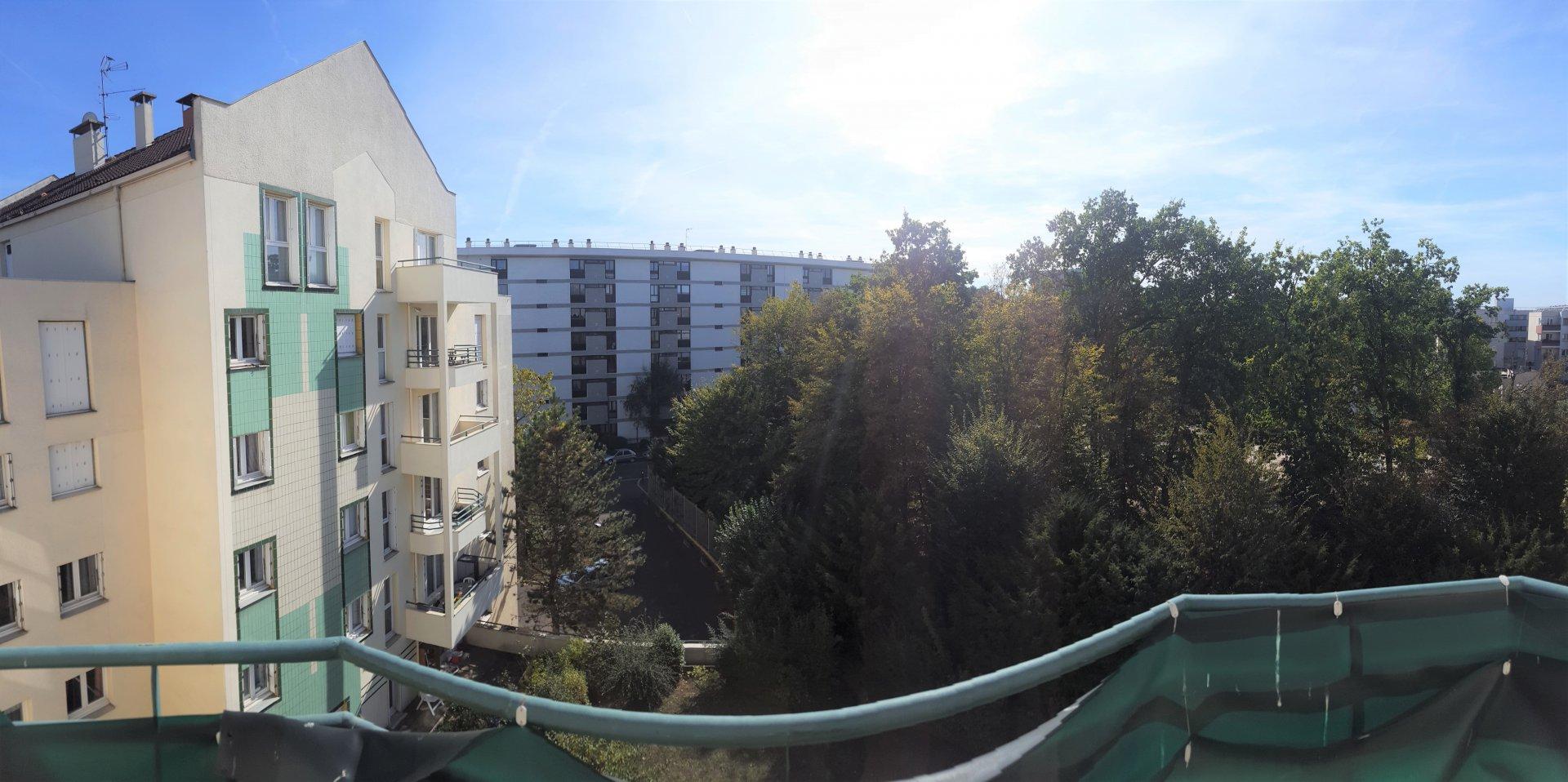 Appartement Type F3 de 72 m² + balcon & parking sous-sol