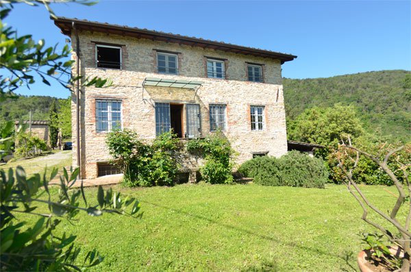 ITALY, TUSCANY, LUCCA, BEAUTIFUL FARMHOUSE WITH POOL, FOR 7 PERSONS
