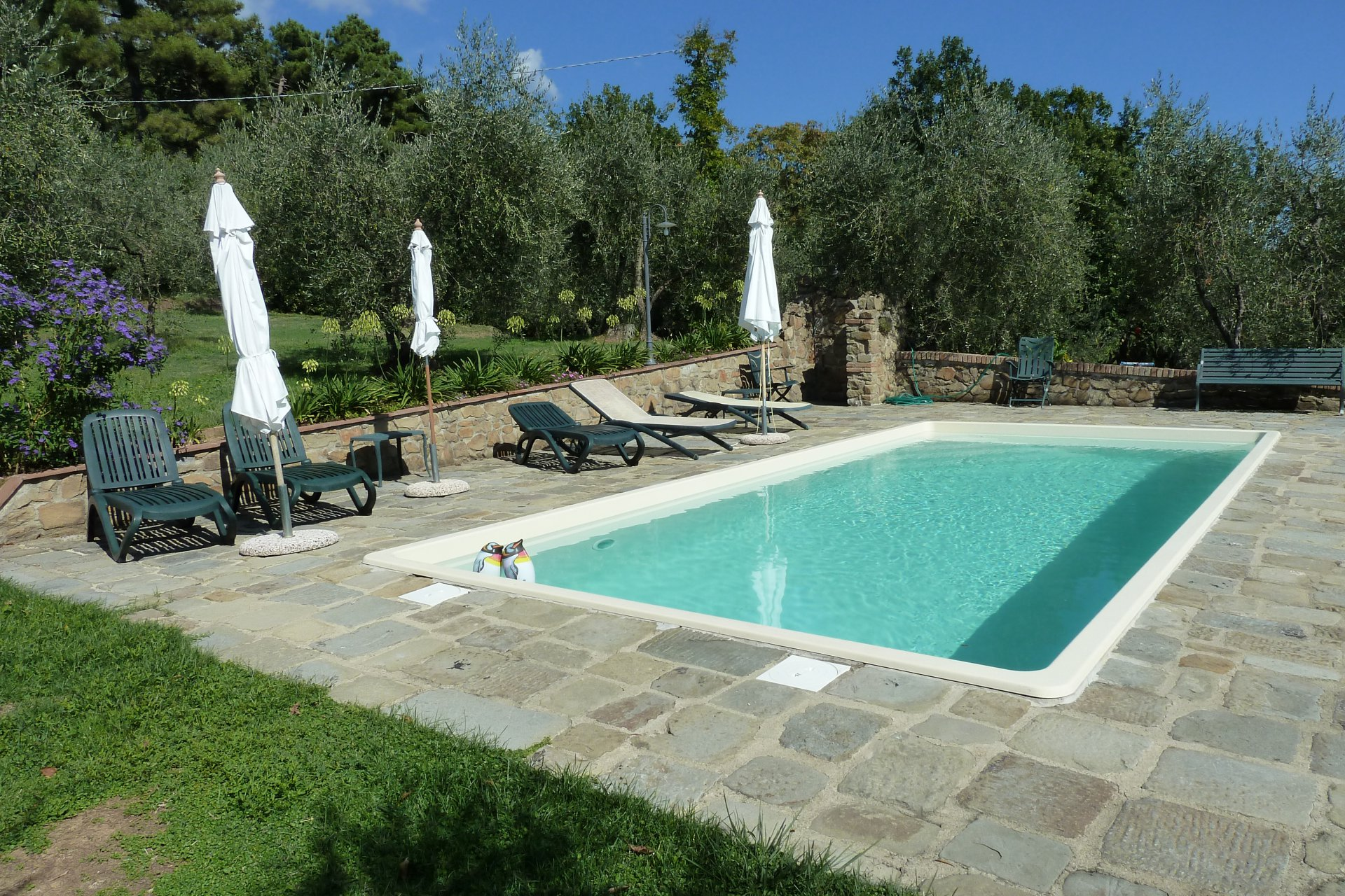 ITALY, TUSCANY, PESCIA, STONE FARMHOUSE WITH POOL,  5 PERSONS