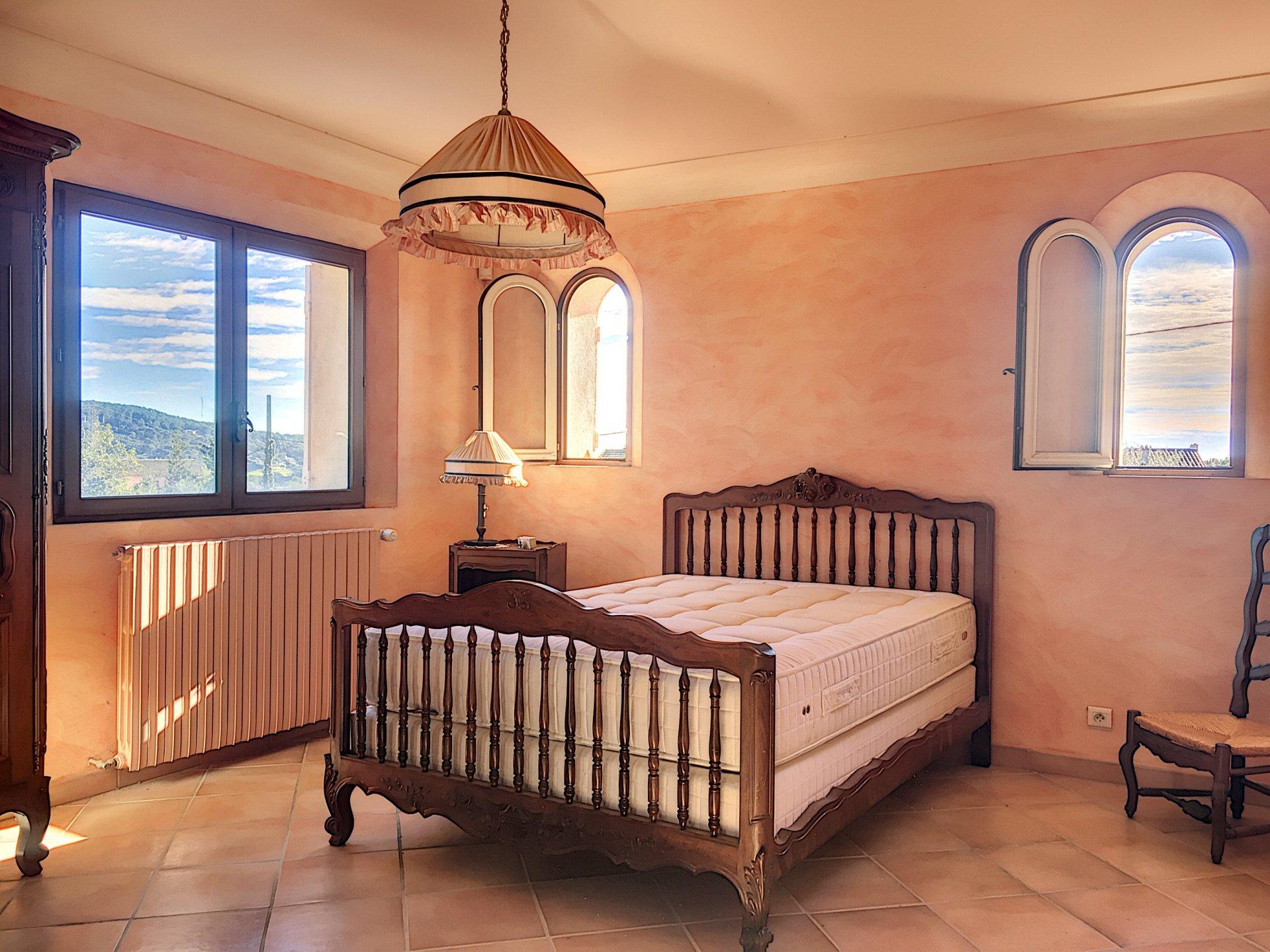 La Roquette, Villa familiale avec grand appartement indépendant
