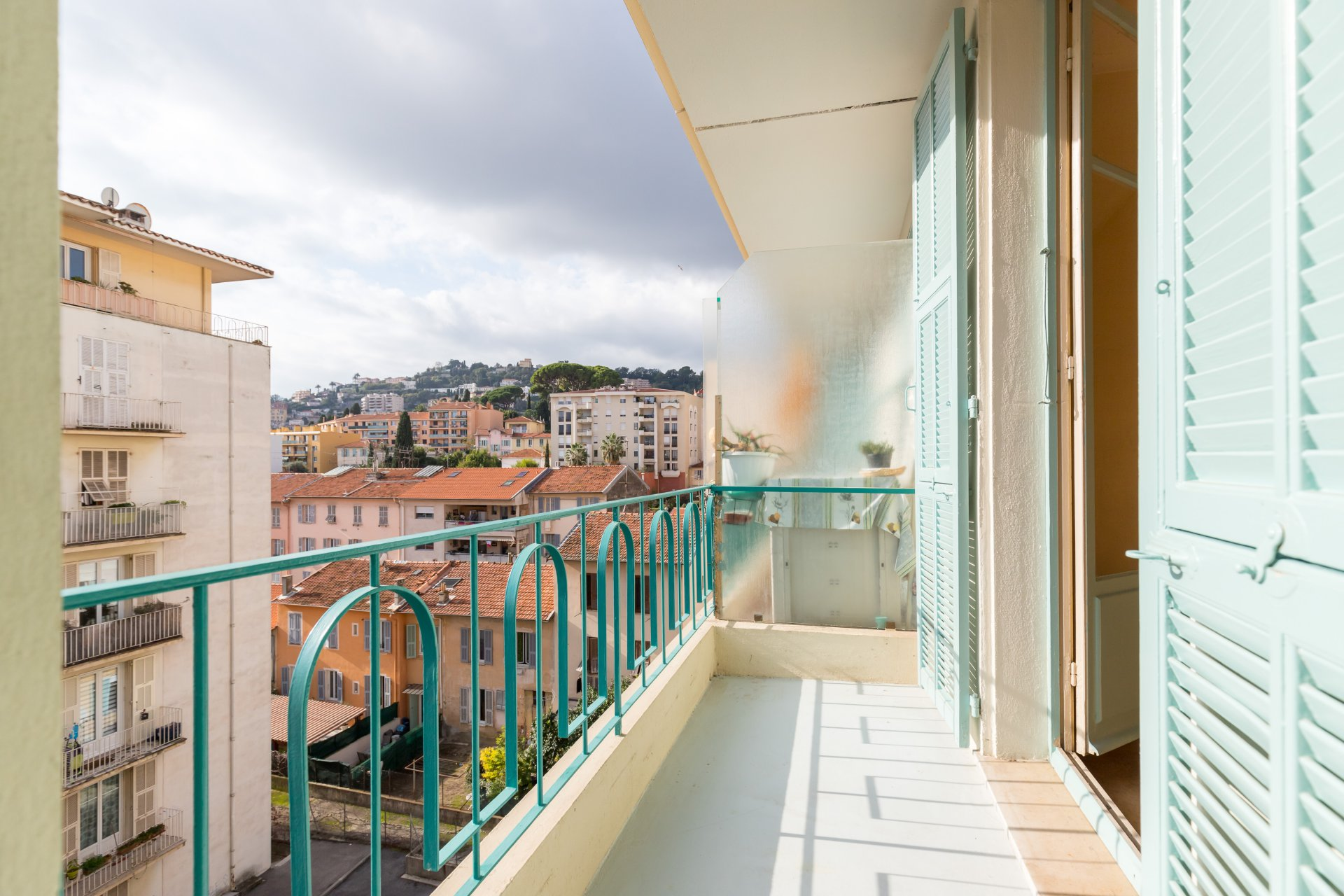 Nice Nord / Gorbella - 2 Rooms Balcony - To Renovate