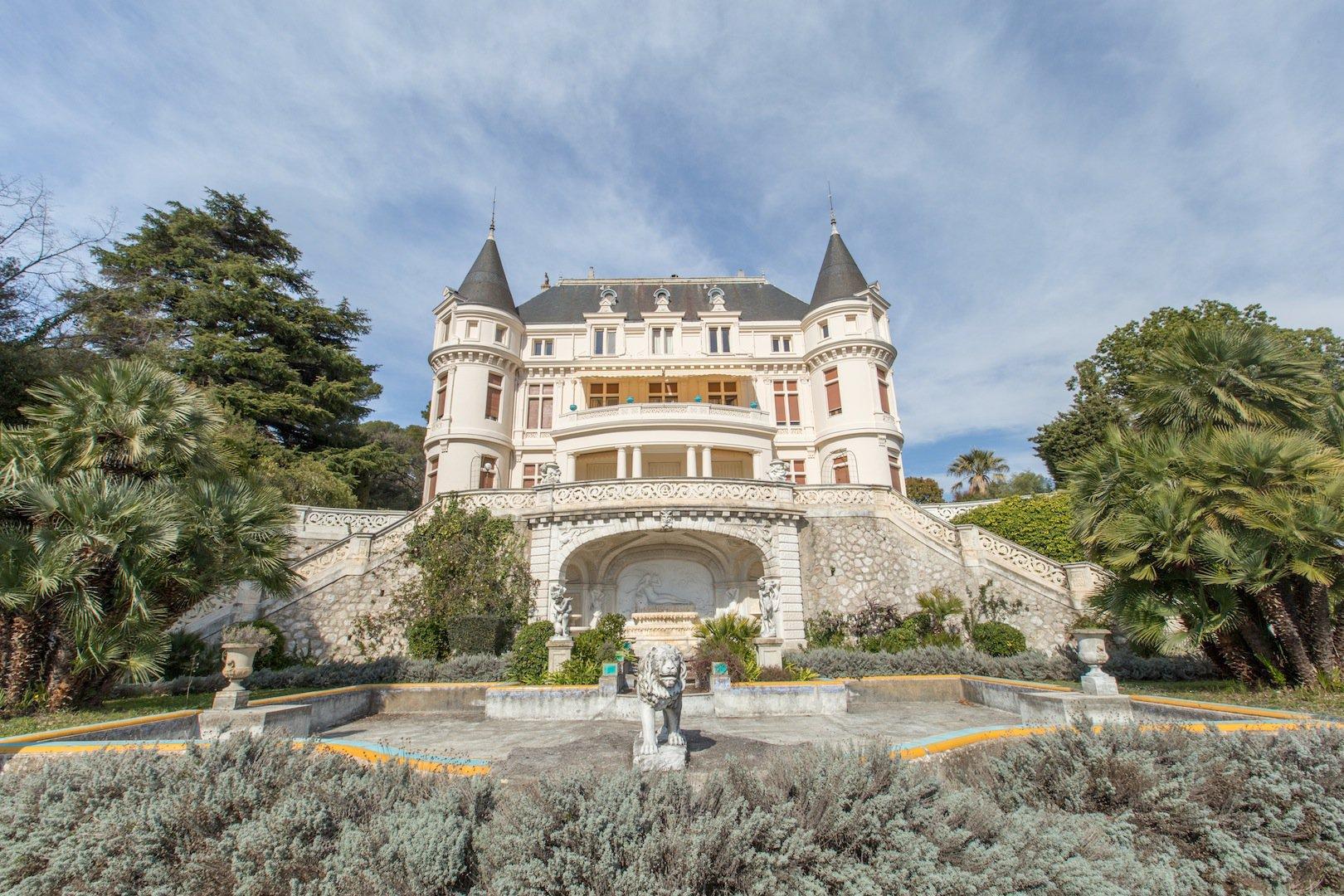 Exceptionnel appartement villa au sein du prestigieux château d'Azur à Gairaut