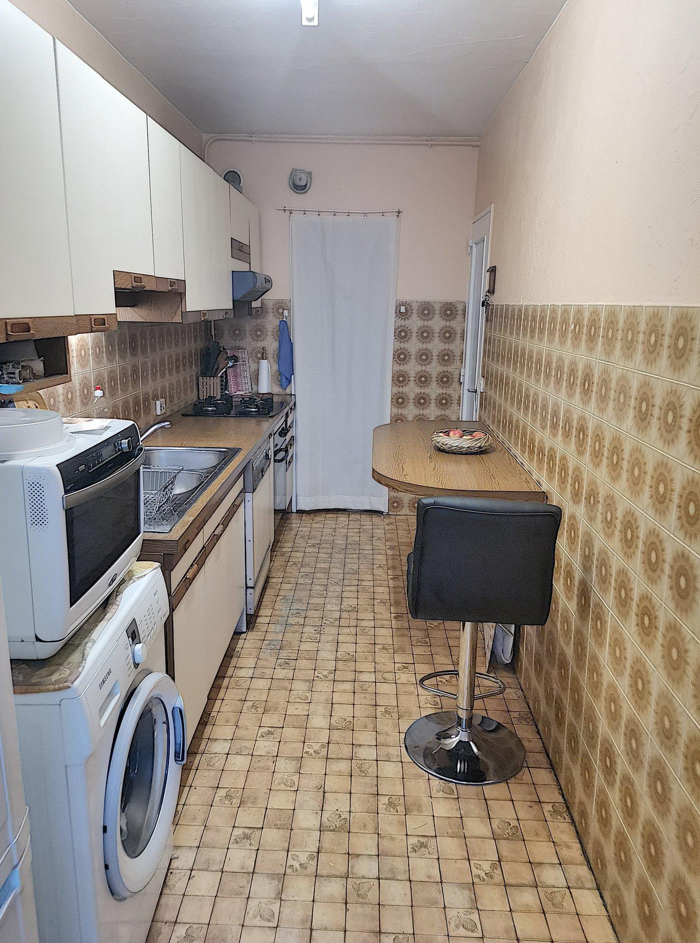 SAINT - LAURENT - DU - VAR (06700) - Appartement  - 3 PIÈCES - Centre Ville