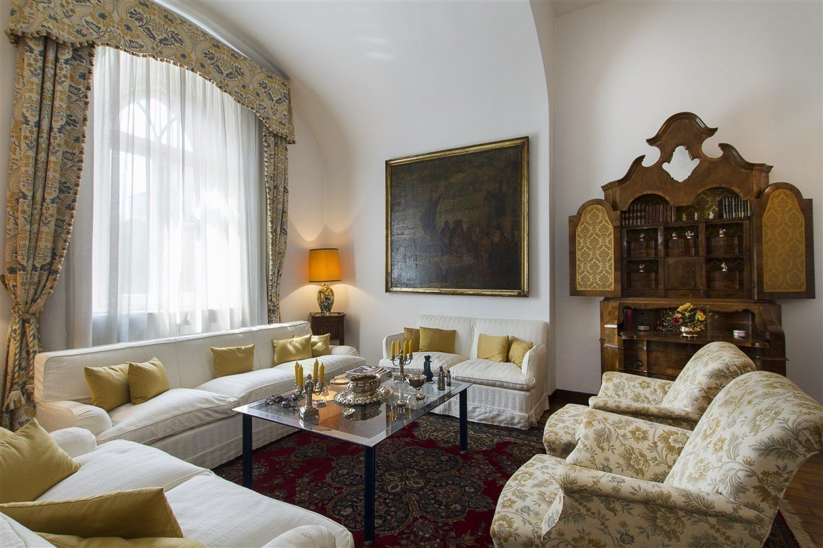 Historic villa for sale in Galliate