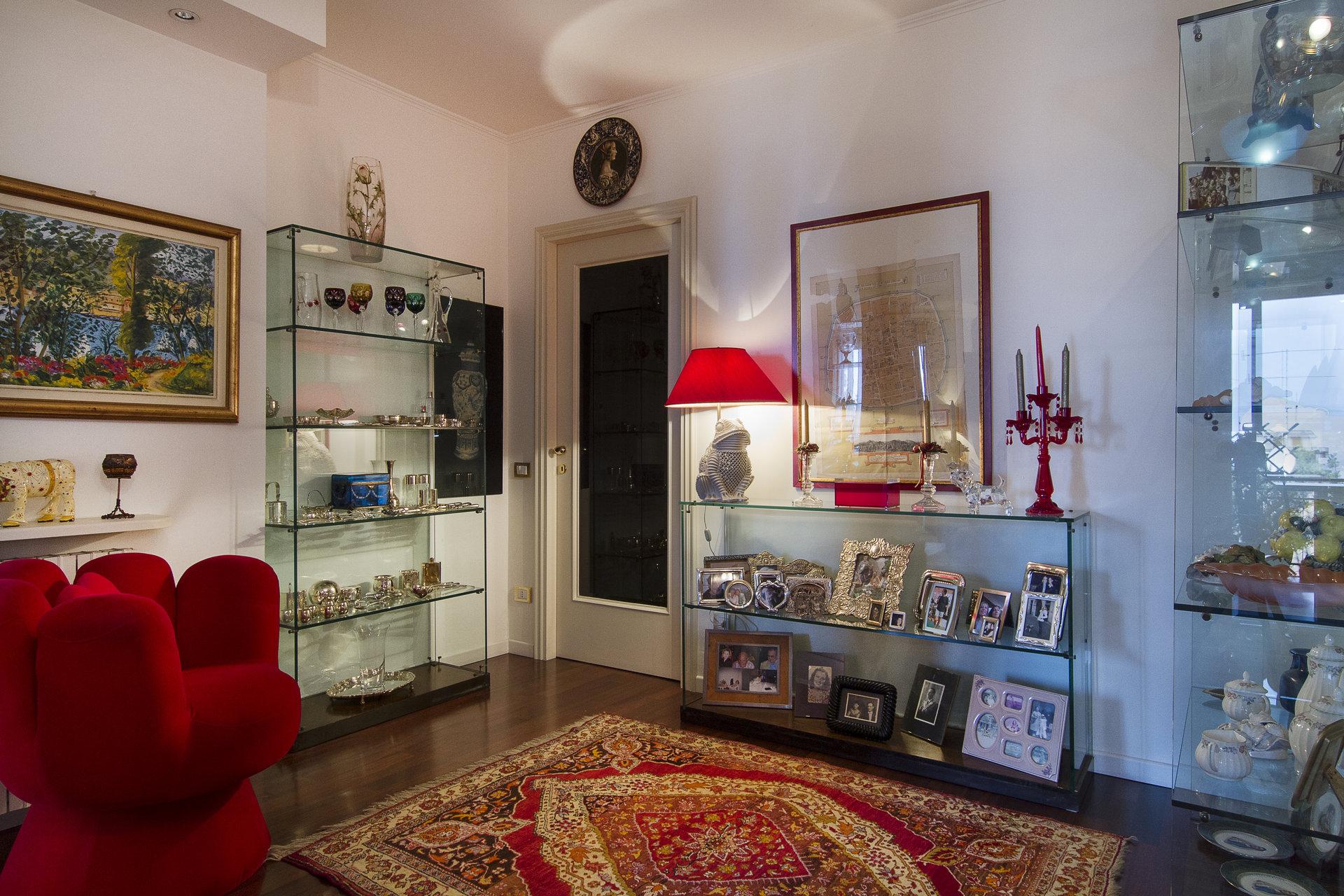 Renovierte Wohnung zum Verkauf im Zentrum von Stresa