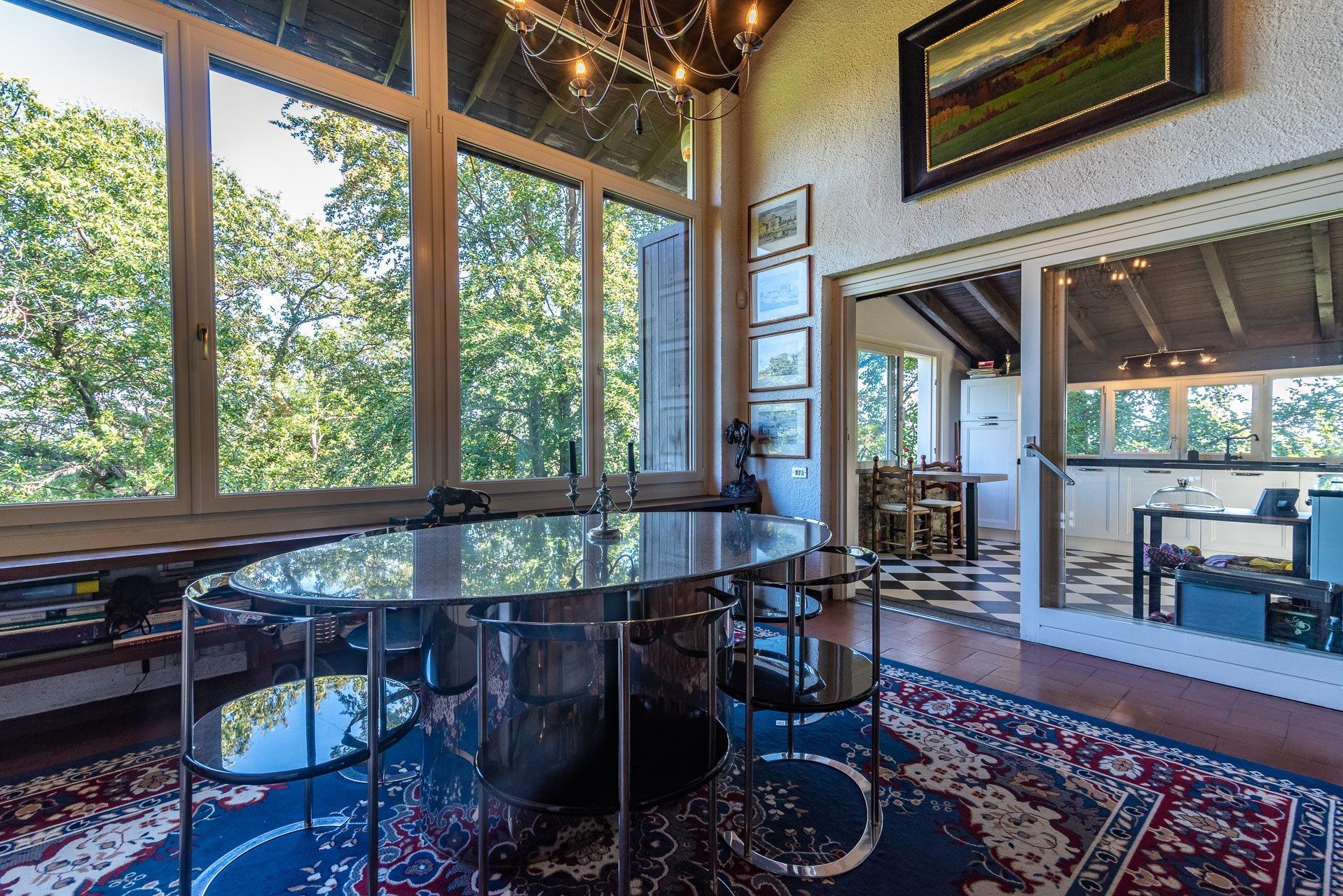 Villa con piscina in vendita a Gignese - sala da pranzo