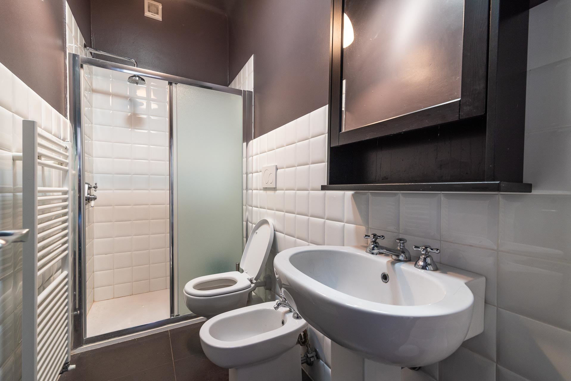 Lesa, apartment for sale on the lakefront - bathroom