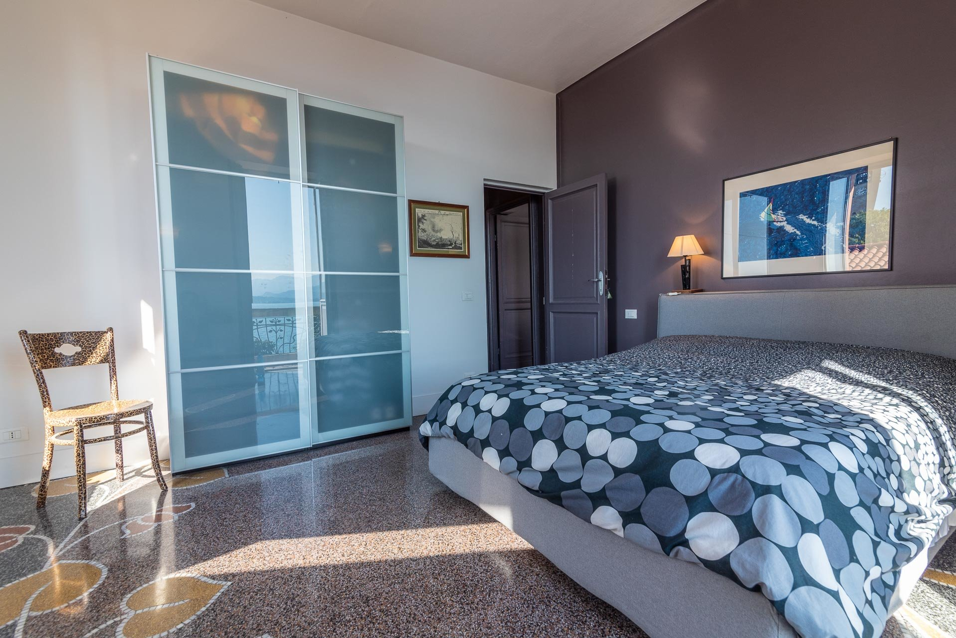 Lesa, apartment for sale on the lakefront - bedroom
