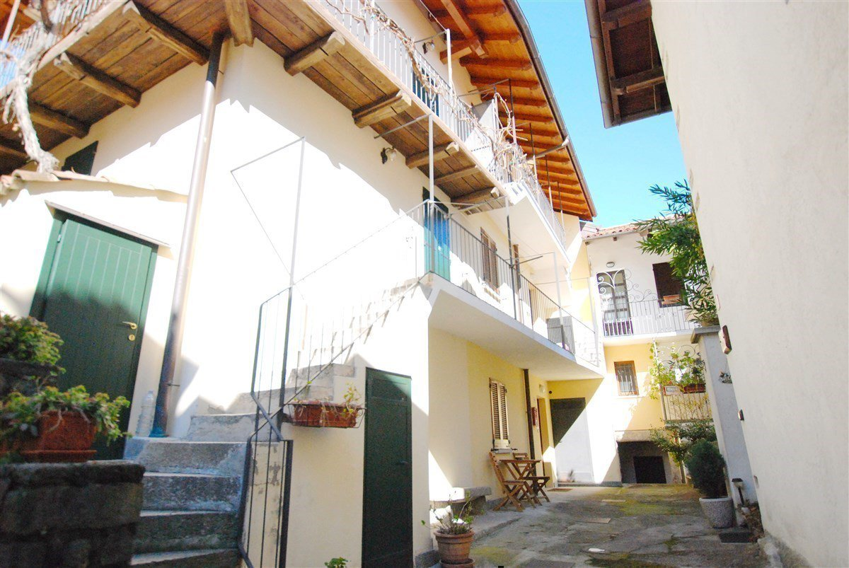 two-room apartament furnished for sale in Stresa- external  of the real estate