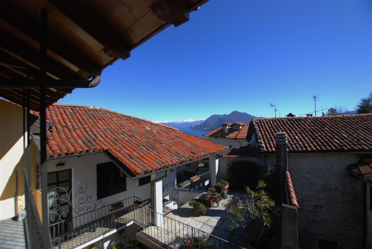 two-room apartament for sale in Stresa- terrace