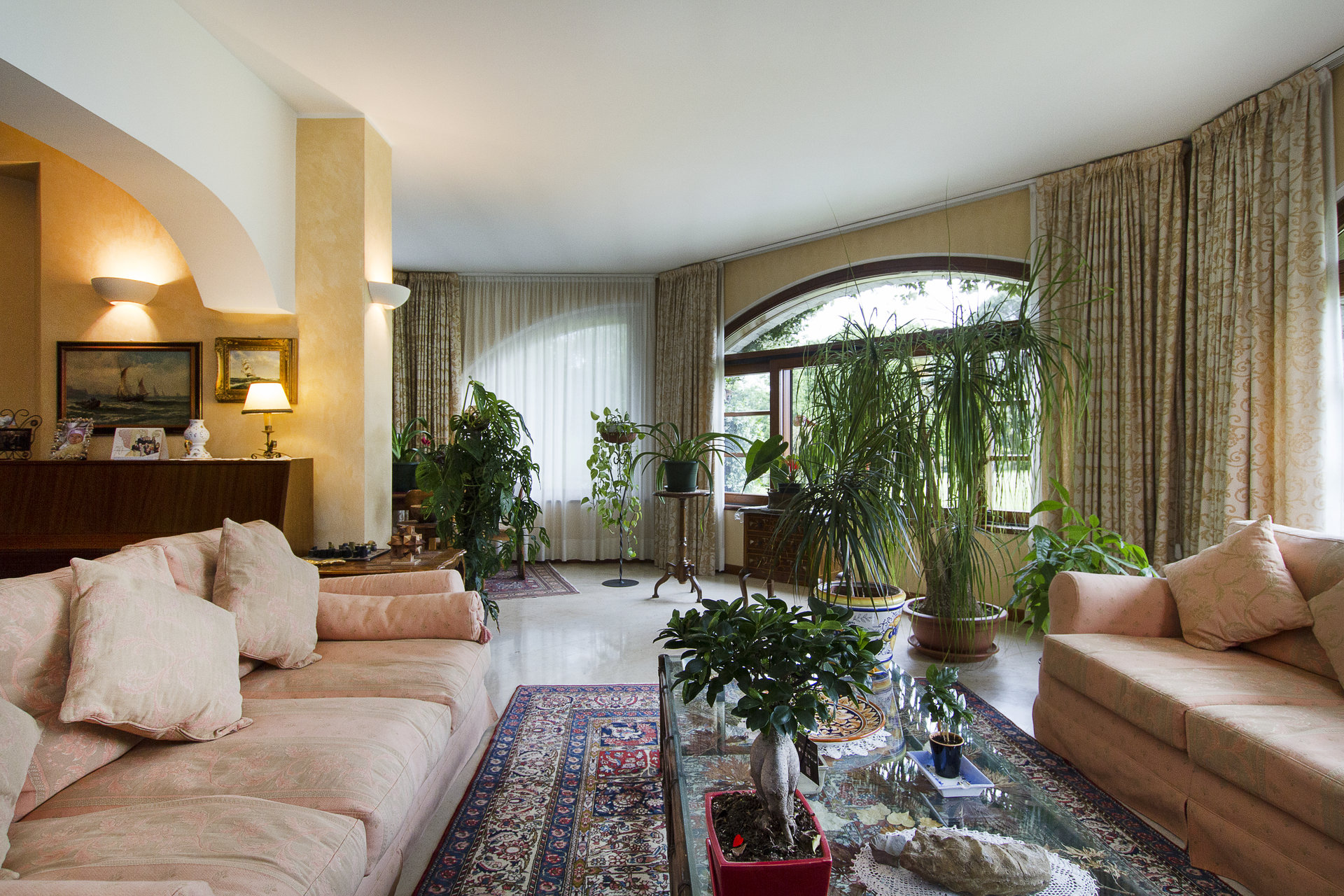 Prestigious Villa for Sale in Laveno