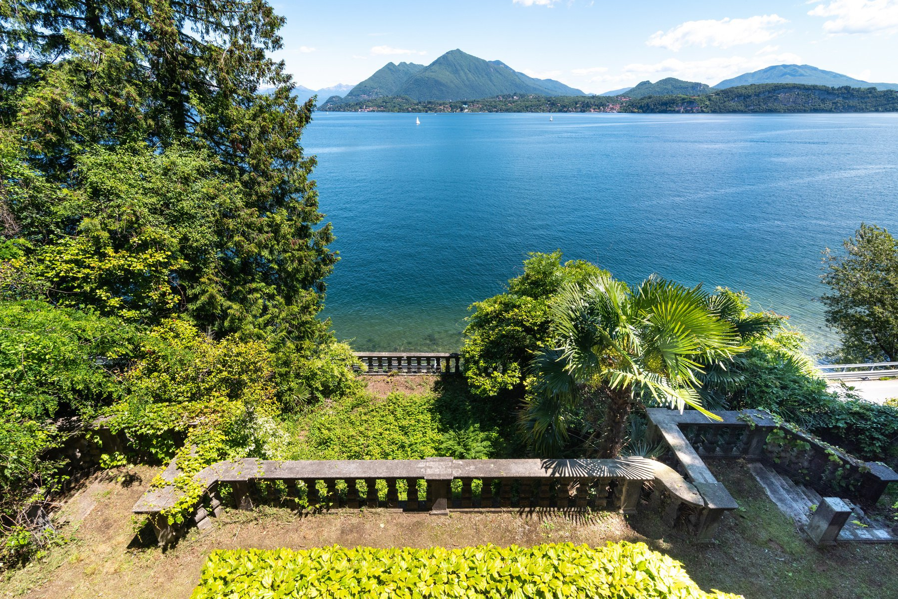 Castle for sale in Stresa on Lake Maggiore - Lake Maggiore
