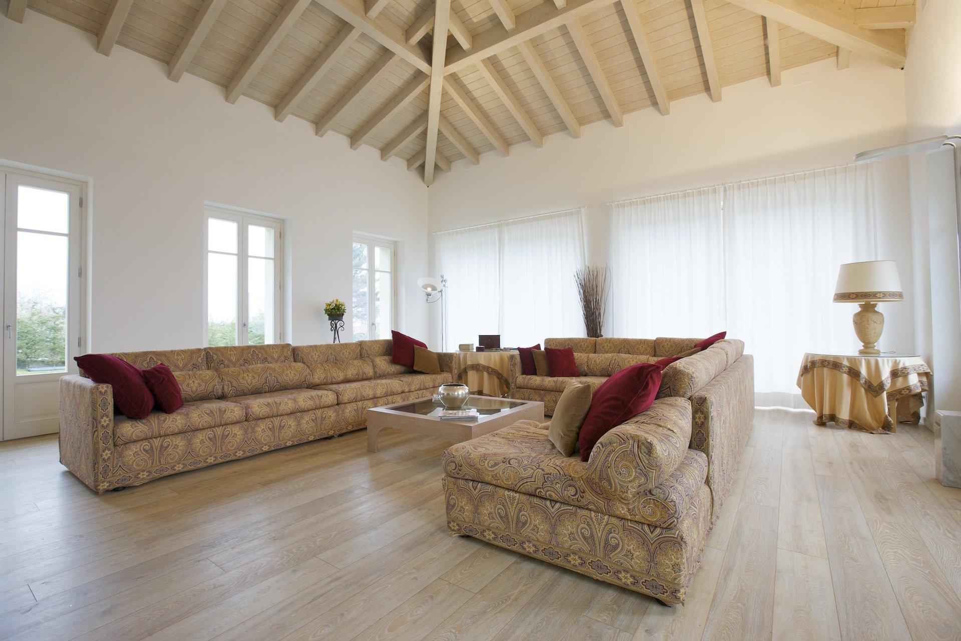 Exklusive Villa zum Verkauf in Verbania