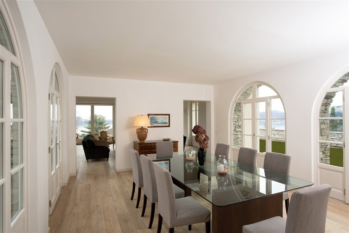 Exclusive villa for sale in Verbania, on Lake Maggiore - dining room