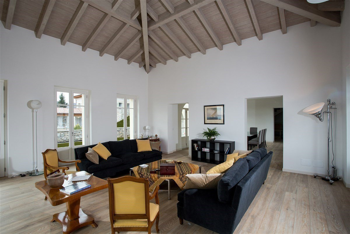 Exclusive villa for sale in Verbania, on Lake Maggiore - living room
