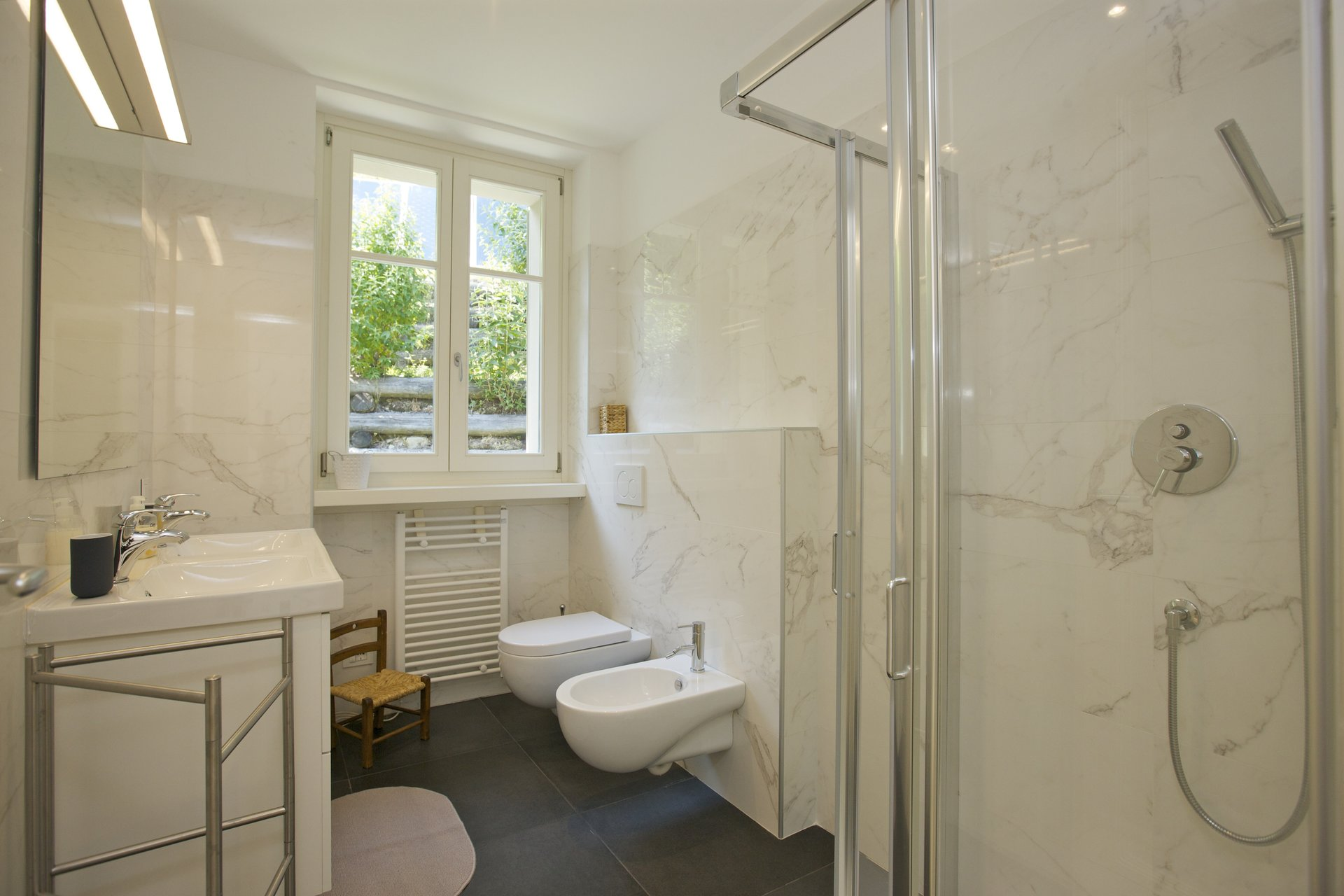 Luxury new villa for sale in Verbania - ensuite bathroom