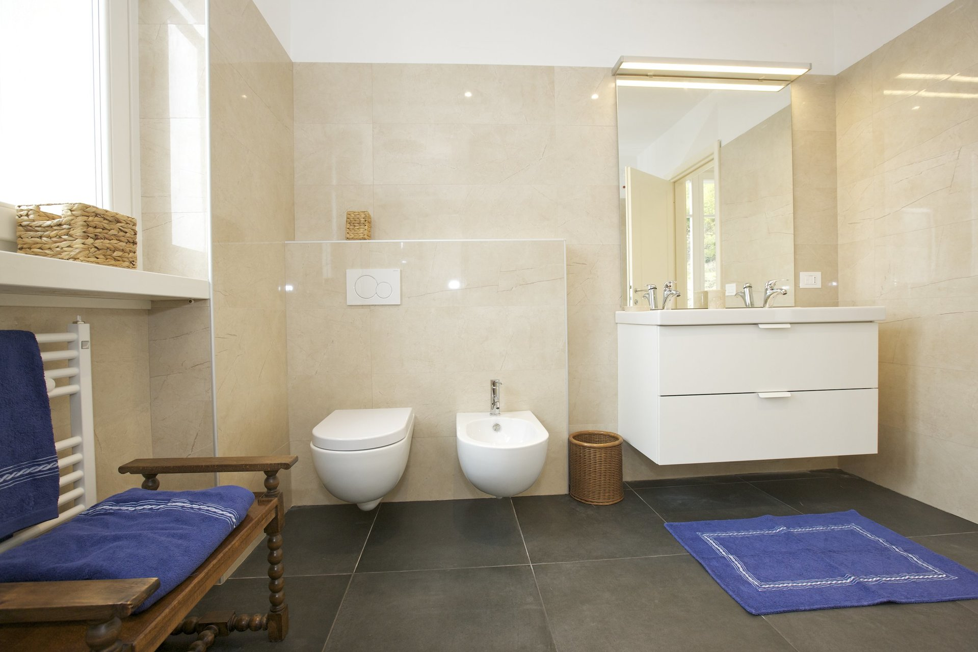 Luxury new villa for sale in Verbania - master bathroom