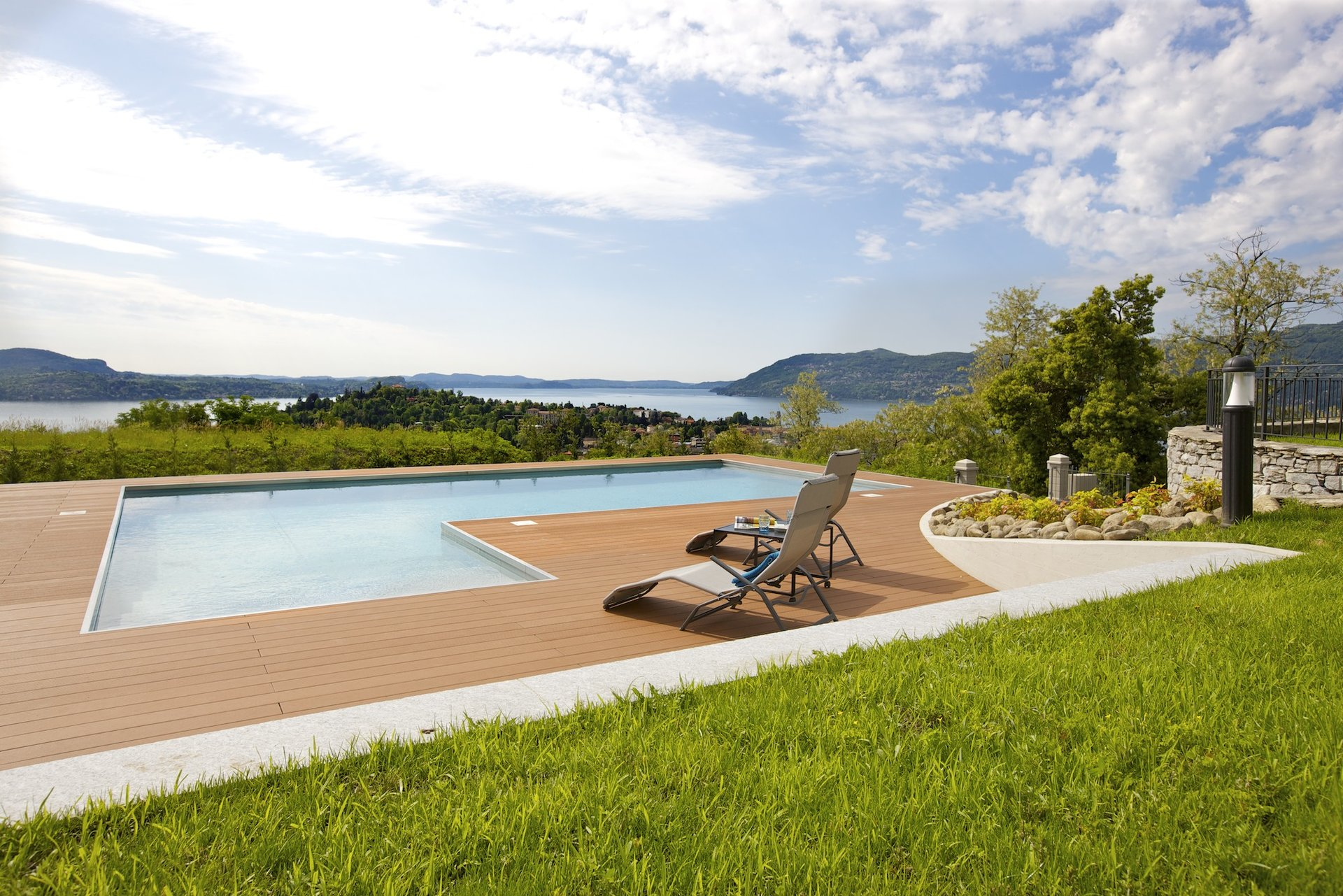 Luxury new villa for sale in Verbania - swimming pool with lake view