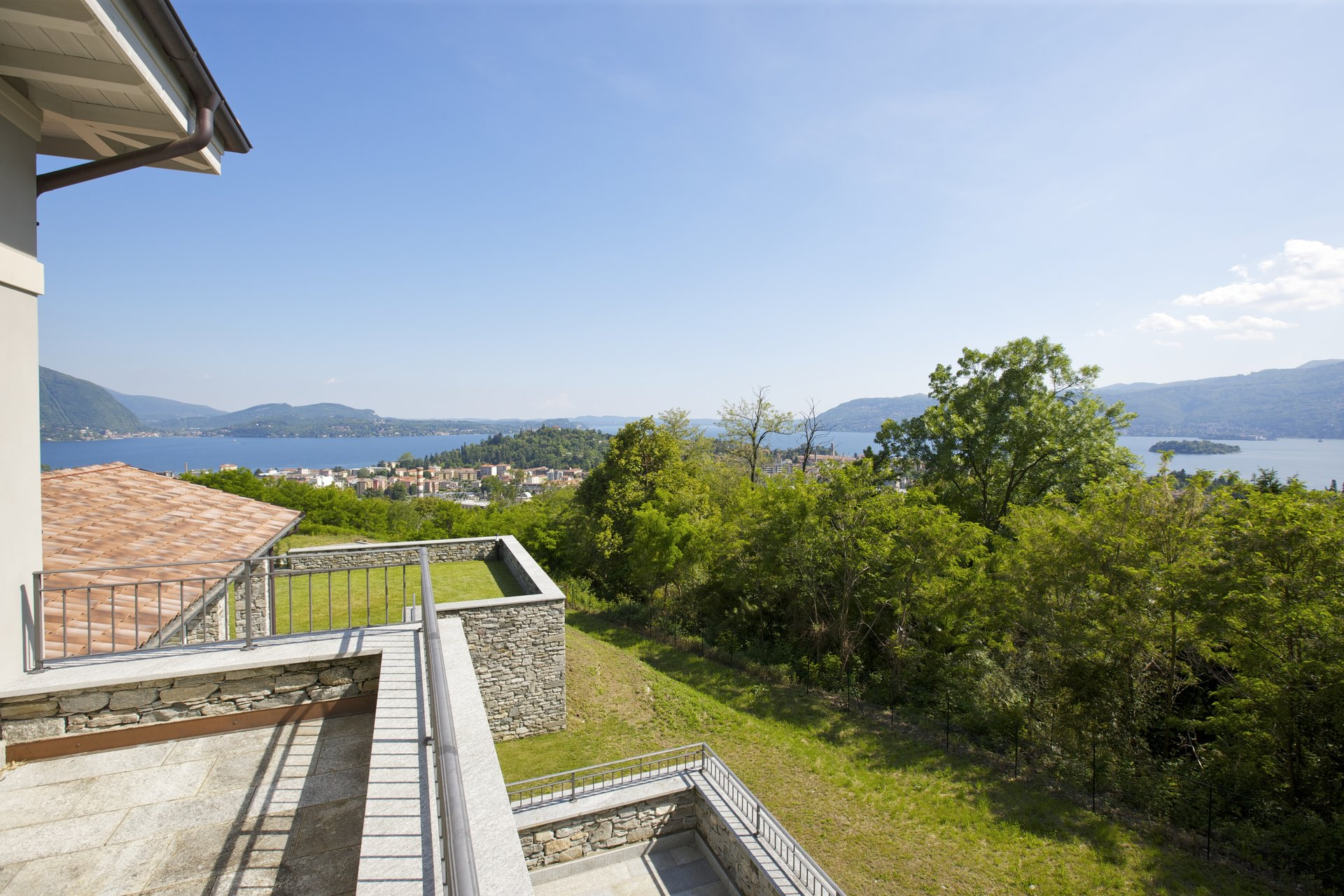 Luxury new villa for sale in Verbania - terrace with lake view