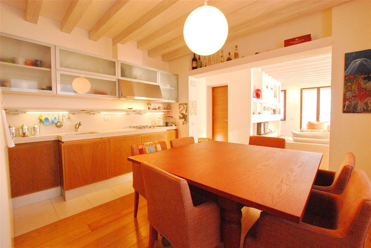 Renovated rustic house for sale in Stresa - large kitchen