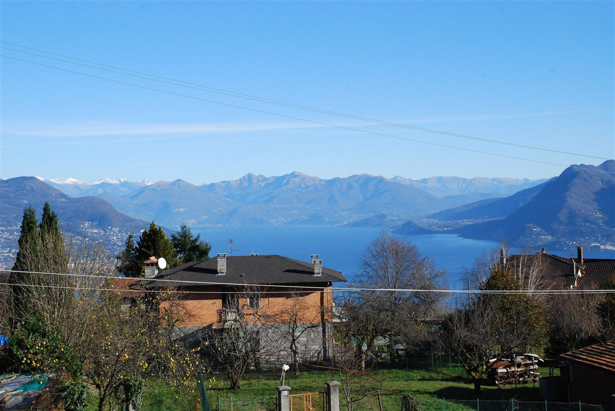 Renovated rustic house for sale in Stresa - lake view