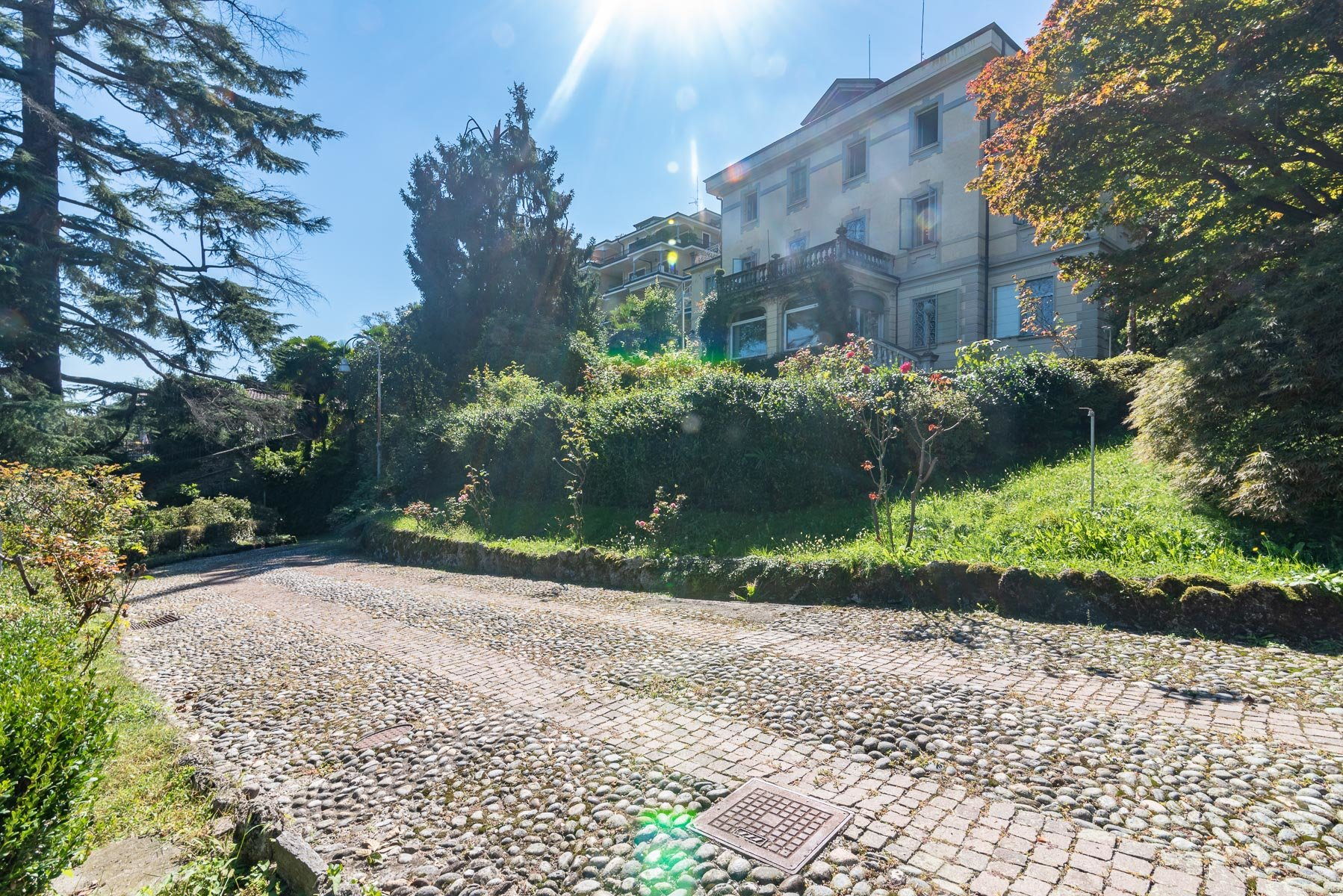 Liberty villa for sale in Stresa - outside