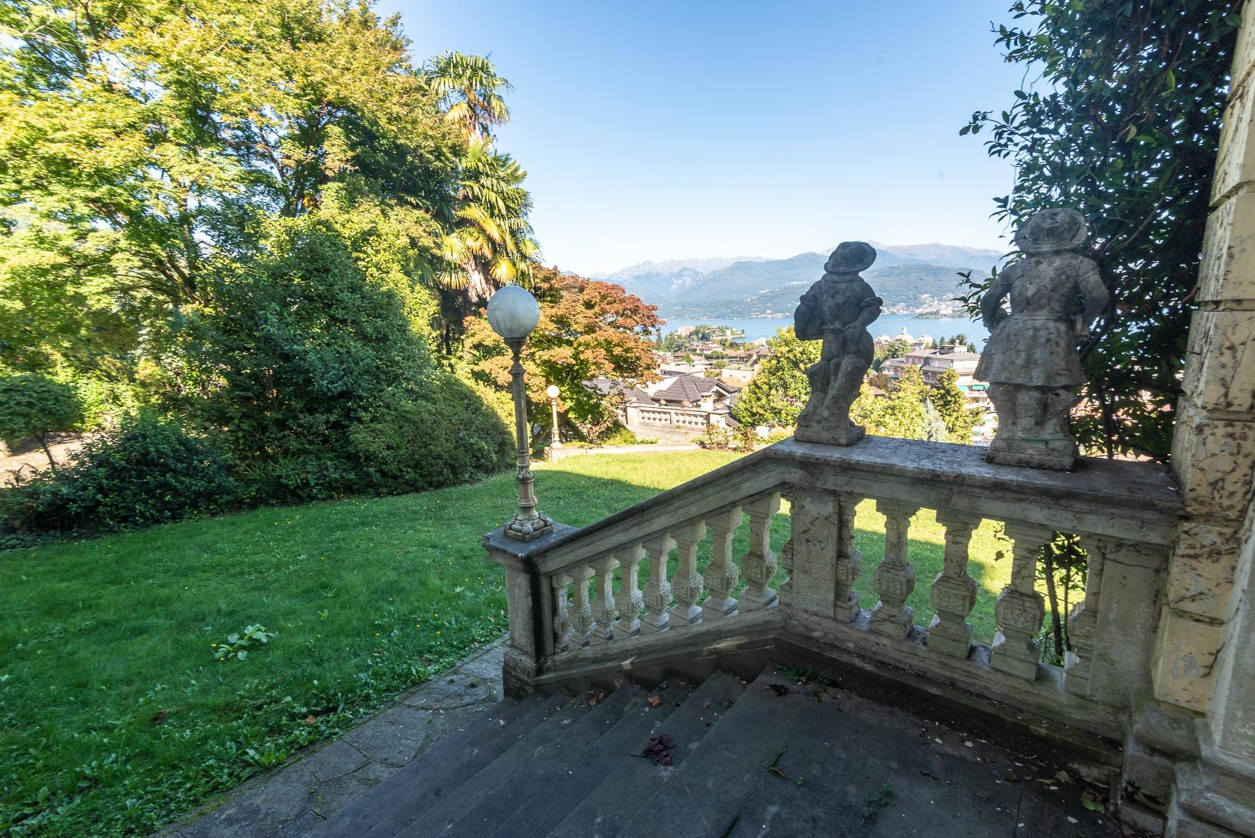 Liberty villa for sale in Stresa - garden