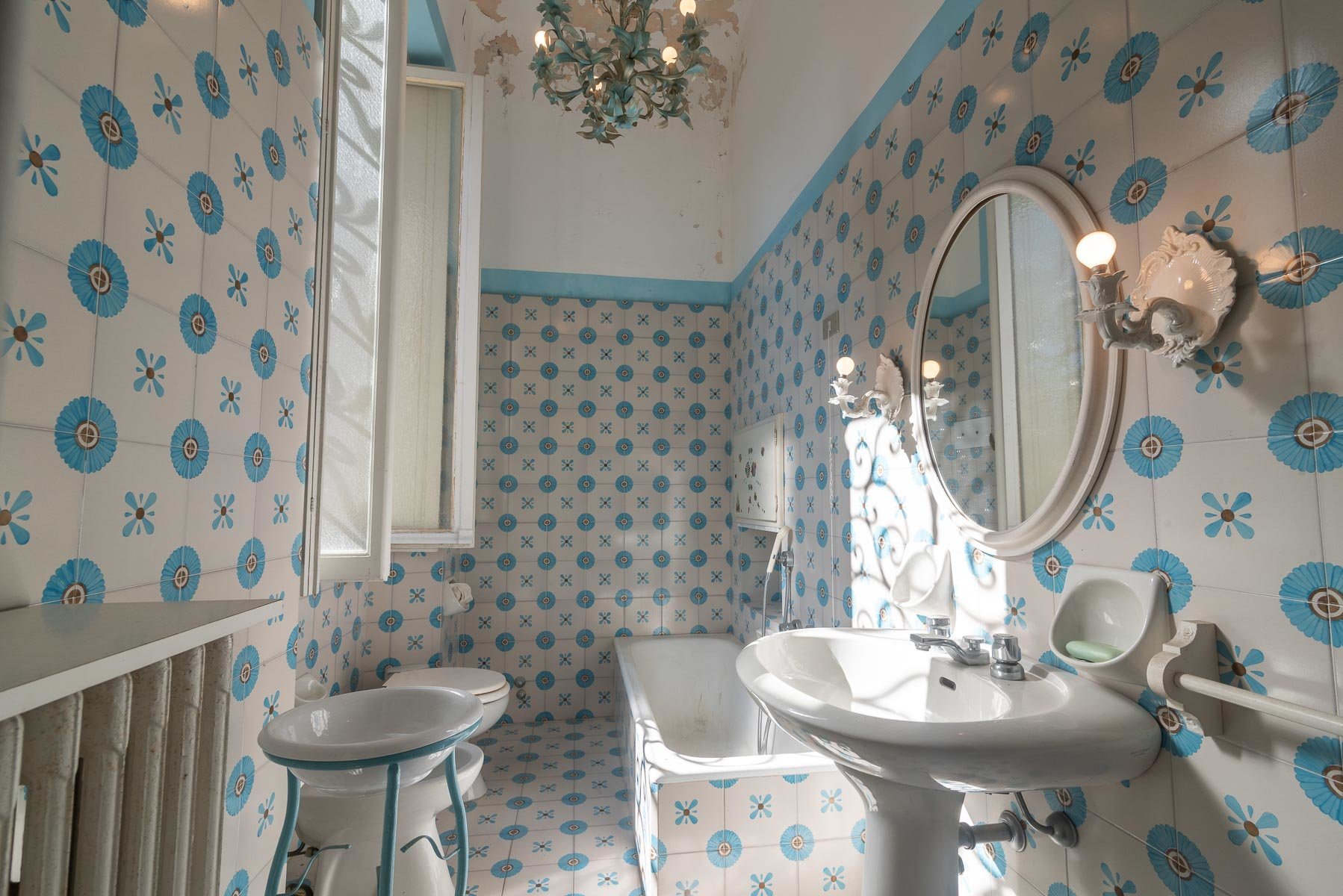 Liberty villa for sale in Stresa - bathroom