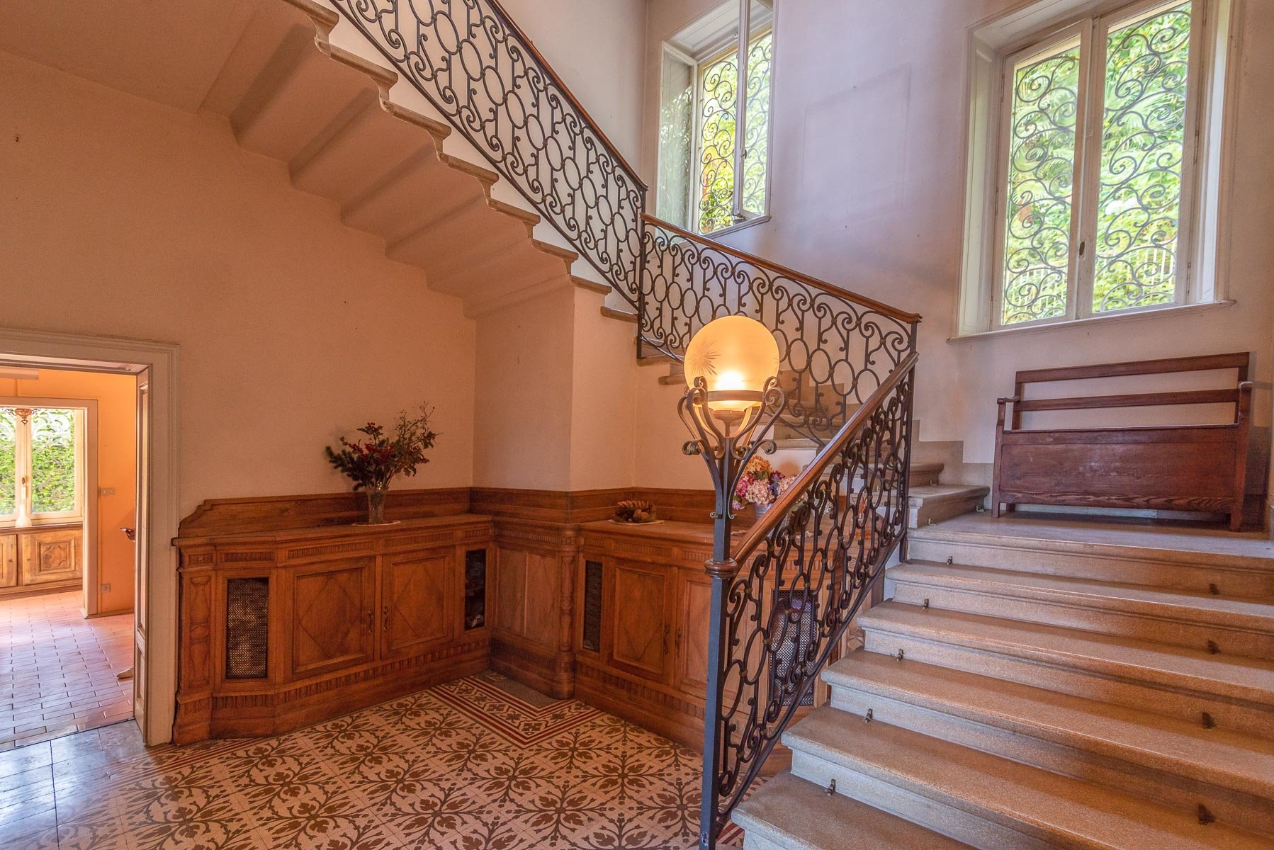 Liberty villa for sale in Stresa - stairs