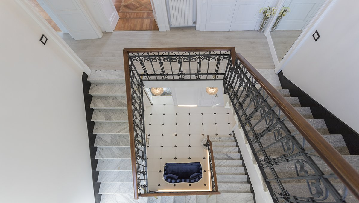 Prestigious liberty villa for sale in Stresa centre - staircase