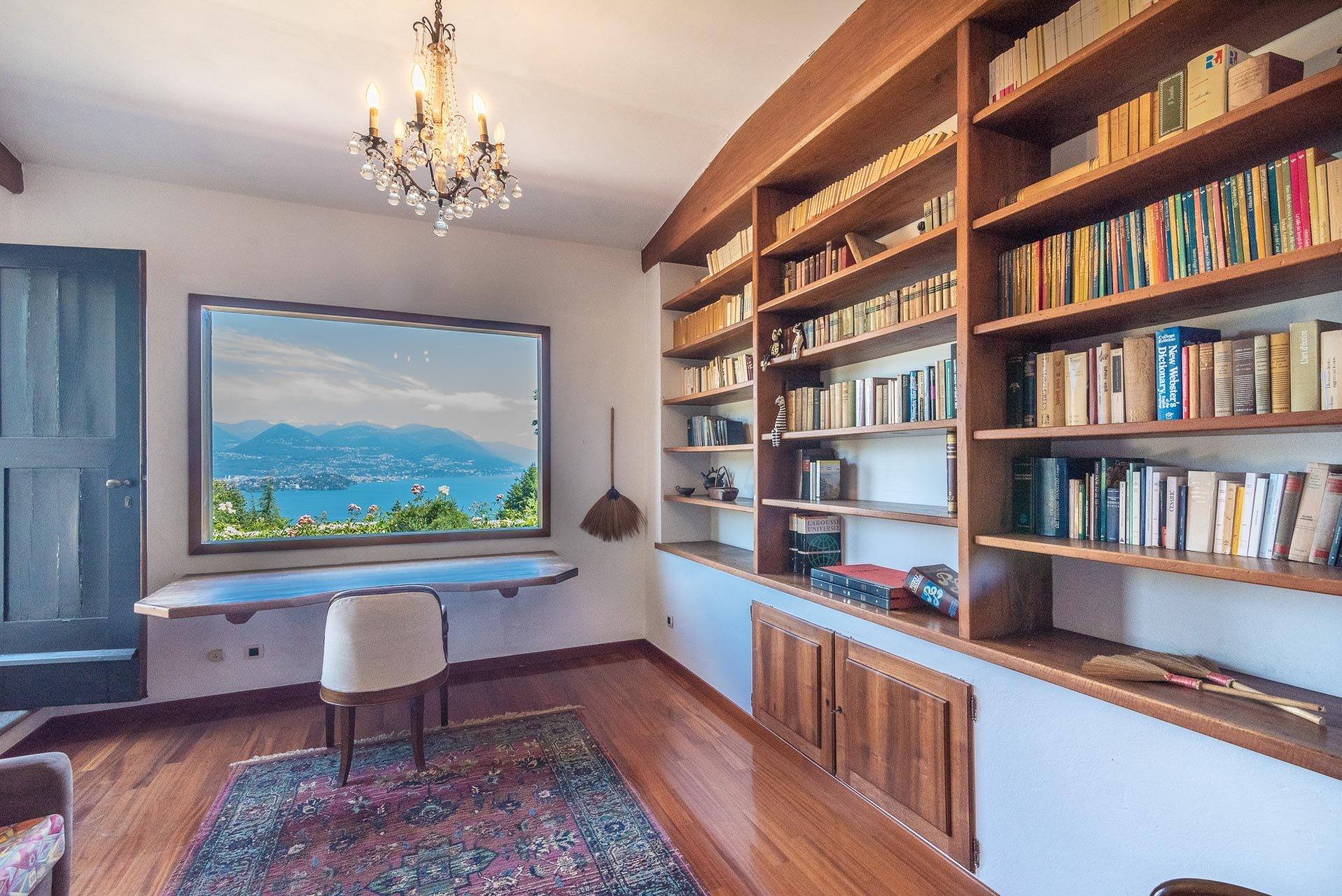 Elegant lake view villa for sale in Stresa - study